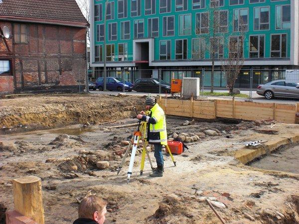 Ausgrabung-Harburger-Schlossstr.