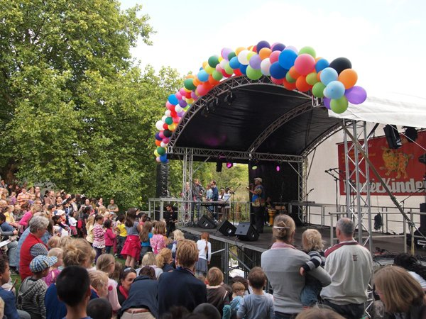 Bühne des Weltkinderfestes